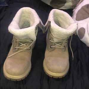 Snow boots (timberlands)